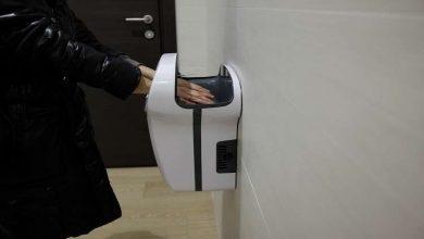 """Photo of مجففات الأيدي في المراحيض العامة قد تكون """"قاتلة""""!"""