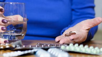Photo of 6 أطعمة ومشروبات لا يجب تناولها مع أدوية شائعة!
