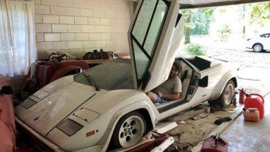 Photo of شاب أمريكي يعثر على سيارتين قيمتهما مئات الآلاف من الدولارات في مرآب منزل جدته ! ( صور )