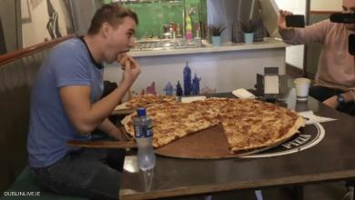 Photo of مطعم يتحدى زبائنه.. 500 يورو لمن يتناول بيتزا كاملة