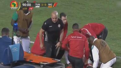 Photo of طبيب منتخب تونس ينقذ لاعبا في فريق الخصم من موت محقق (فيديو)