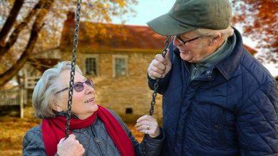 Photo of إلقاء القبض على مسن (91 عاما) لتقبيله زوجته!