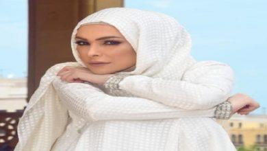 """Photo of """"خلع الحجاب"""" يدفع أمل حجازي لإطلاق أغنية مثيرة للجدل"""