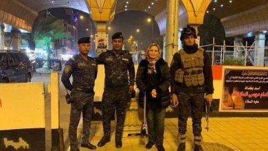 """Photo of إلهام شاهين تضع الحجاب و تزور """" مرقد الإمام الكاظم """" في العراق ( صور + فيديو )"""