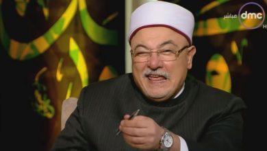 Photo of خالد الجندي يعترف بفخر : أنا شيخ السلطان أيها اللقطاء ( فيديو )