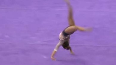 "Photo of سقطة ""مروعة"" تكسر ساقي لاعبة جمباز أمريكية وتتسبب في اعتزالها (فيديو)"