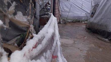 Photo of ثلوج نيسان تعصف بمخيمات اللاجئين السوريين في لبنان
