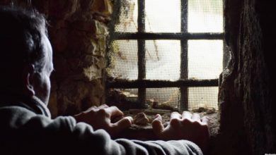Photo of احتجاز سوريين في أحد مخيمات الأردن! (فيديو)