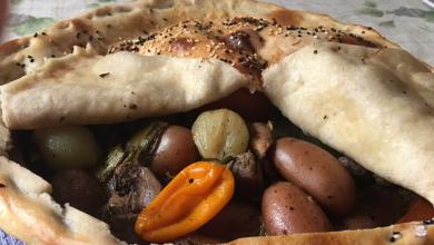 Photo of الوصفة التي أبهرت الجميع  فخارة اللحم التركية بالعجين (فيديو)