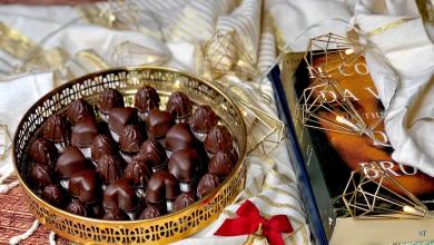Photo of الطريقة الصحيحة لصناعة الشوكولاتة في المنزل (فيديو)