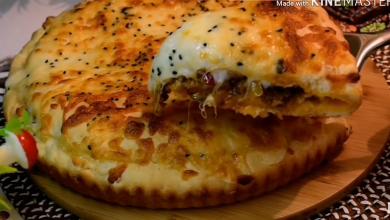 Photo of الفطيرة التركيه بحشوة اللحمه ممكن تعملوها على العشاء أو على الغداء (فيديو)