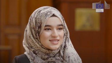 Photo of إنجاز عظيم لشابة سورية .. و أرفع مسؤولة أوروبية تشيد بها و تروي قصة نجاحها ( فيديو )