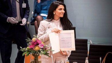 Photo of شابة كردية سورية تفوز بجائزة مميزة في ألمانيا ( فيديو )